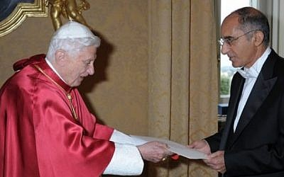Israel's Ambassador to the Holy See, Dr. Zion Evrony, presents his Letter of Credence to Pope Benedict XVI at the Apostolic Palace in Castel Gandolfo on Thursday. (photo credit: Courtesy)