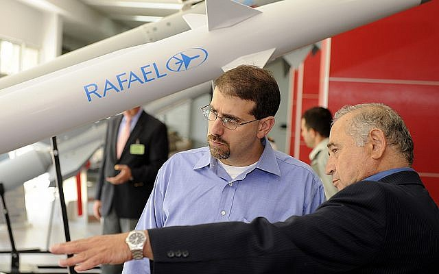 US Ambassador Dan Shapiro, in blue, visiting the Rafael arms manufacturer last year. (photo credit: CC BY-SA, US Embassy Tel Aviv, Flickr)