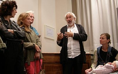 Belgian Jewish humorist Richard Kenigsman speaking at the Jewish Museum in Brussels, Sept. 2, 2012. (photo credit: Cnaan Liphshiz/JTA)