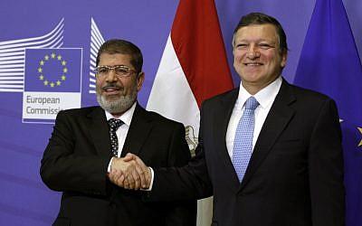 Egyptian President Mohammed Morsi (left) and EU Commission President Jose Manuel Barroso in Brussels, September 13 (photo credit: AP/Virginia Mayo)