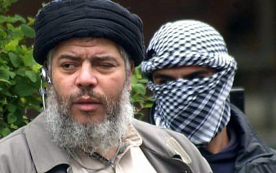 Muslim cleric Abu Hamza al-Masri, AKA Mustafa Kamel Mustafa (photo credit: AP/Max Nash/File)