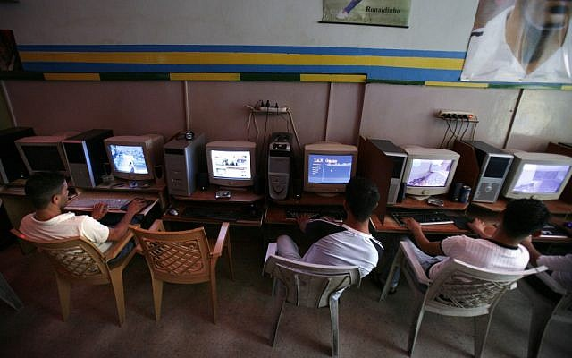An internet cafe in the Shoafat refugee camp in northeast Jerusalem (photo credit: Michal Fattal /FLASH90)
