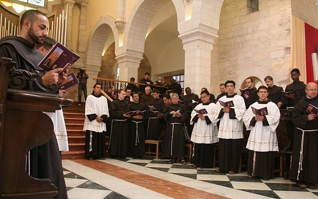 Pierbattista Pizzaballa at the Church of St. Catherine in Bethlehem, November 2010. (Najeh Hashlamoun/Flash90)