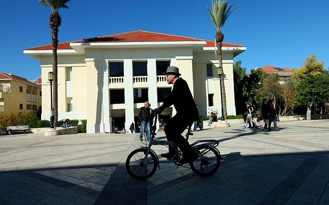 The refurbished streets of Neve Tzedek (photo credit: Moshe Shai/Flash 90)