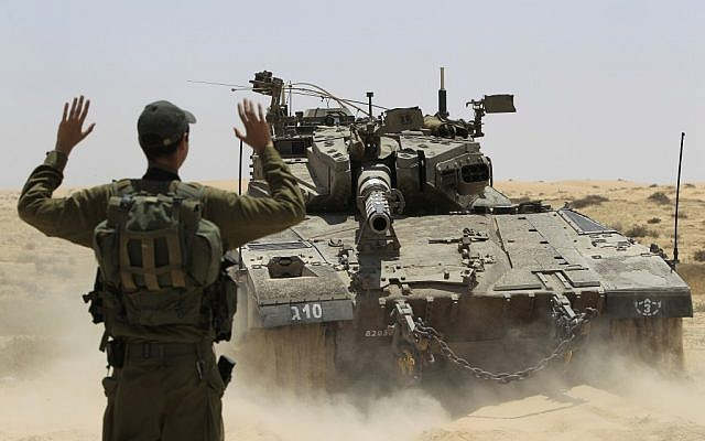 An Israeli tank patrols the Israel-Egypt border (Tsafrir Abayov/FLASH90)