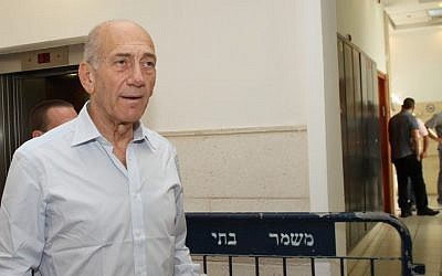 Former prime minister Ehud Olmert at the Jerusalem District Court earlier this month (photo credit: Yoav Ari Dudkevitch/Flash90)