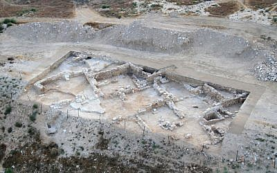 The new findings 9 miles north of Beersheba show the existence of a substantial Jewish town on the site 1,500 years ago (photo credit: Courtesy of the Israel Antiquities Authority)