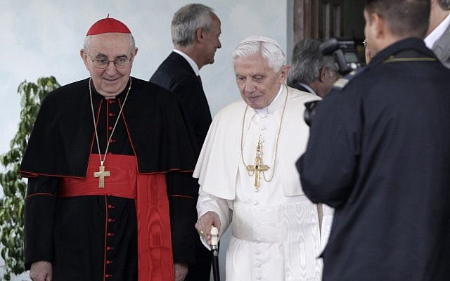 Pope Benedict XVI arrives in Lebanon on Friday, Sept. 14 (photo credit: AP/Riccardo De Luca)