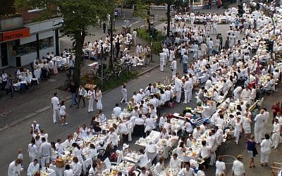 Diner en blanc in Hamburg, Germany, 13.08.2011 (photo credit: Pro2/CCSA)