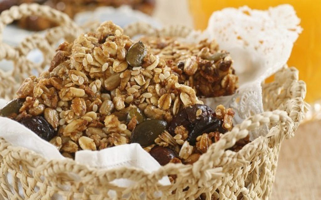 Phyllis Glazer's no-oil granola bar with dates and other dried fruits (Courtesy Phyllis Glazer, photo credit by Dania Weiner)