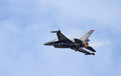 Illustrative photo of an F-16. (photo credit: CC BY  Ronnie Macdonald, Flickr)