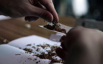 Rolling a joint (illustrative photo: Tsafrir Abayov/Flash90)