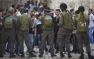 Illustrative photo of Israeli Border policemen pictured in Jerusalem's Old City amid clashes between Palestinian stone throwers and Israeli forces (photo credit: Yonatan Sindel/Flash 90)