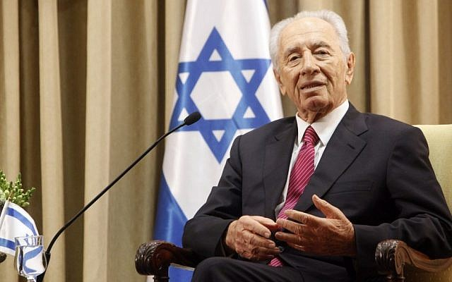 Shimon Peres at his Jerusalem residence (photo credit: Miriam Alster/Flash90)