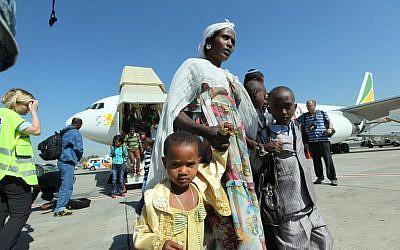 Ethiopian immigrants arrive in Israel with Operation Dove's Wings in October 2012. (Courtesy of the Jewish Agency for Israel)