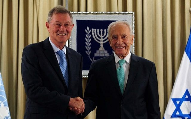 President Peres shakes hands with UN special coordinator Robert Serry (photo credit: Koby Gidon/GPO)