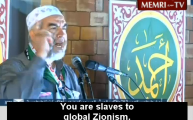 Raed Salah delivers his sermon (photo credit: Memri Screen Shot/Al-Jazeera)