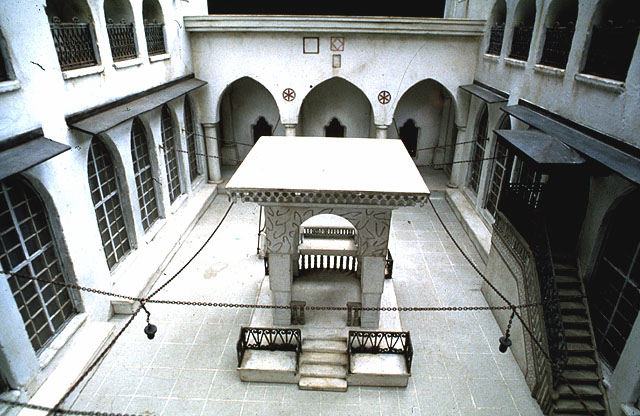 The courtyard of the Great Synagogue of Aleppo, as depicted in a detailed model at the Beit Hatfutsot museum in Tel Aviv (Courtesy of Beit Hatfutsot, Museum of the Jewish People)