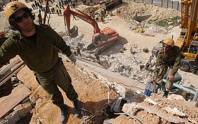 Soldiers practicing a rescue mission in 2004. Is Israel ready for an earthquake? A major exercise on Sunday aims to find out. (photo credit: Flash90)
