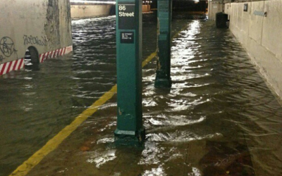 86th Street subway station flooded after Sandy (photo: JTA/ @HeyVeronica via Twitter)
