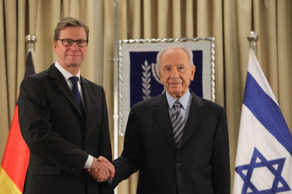 President Shimon Peres welcomes German Foreign Minister Guido Westerwelle at the President's residence in Jerusalem on November 20, 2012. (photo credit: Yoav Ari Dudkevitch/Flash90).