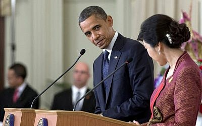 US President Barack Obama and Thai Prime Minister Yingluck Shinawatra hold a joint news conference at the Government House in Bangkok, Thailand, Sunday, Nov. 18 (photo credit: AP Photo/Carolyn Kaster)