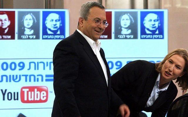 Ehud Barak e Tzipi Livni, retratados em 2009 (Crédito da foto: Gil Yohanan / Flash90)