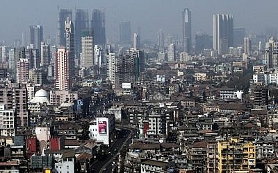 Bird's-eye view of Mumbai (Photo credit: Abir Sultan/ Flash90)