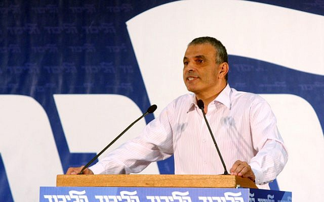 Likud member and outgoing Minister Moshe Kahlon speaks at a Likud convention in Tel Aviv. October 29, 2012. (photo credit: Roni Schutzer/FLASH90)