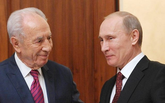 President Shimon Peres, left, meets with his Russian counterpart, Vladimir Putin, on Thursday during the president's official visit in Moscow (photo credit: Mark Neyman/GPO/Flash90)