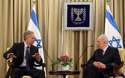 President Shimon Peres meets with Middle East Quartet Envoy and Former British Prime Minister Tony Blair at Peres' residence in Jerusalem. November 19, 2012. (photo credit: Yoav Ari Dudkevitch / FLASH90