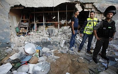 A shop in the center of the southern city of Ashdod that took a direct hit from a rocket Tuesday. (photo credit by Miriam Alster/Flash90)
