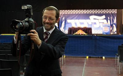Moshe Feiglin documents his experience of the Likud Primaries in Tel Aviv, November 26, 2012. (photo credit: Flash90)