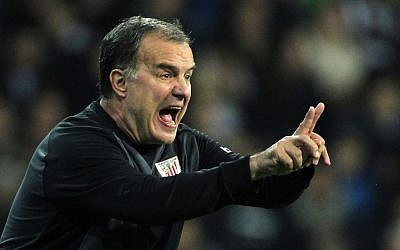 Athletic Bilbao's coach Marcelo Bielsa (photo credit: AP Photo/Andres Kudacki)
