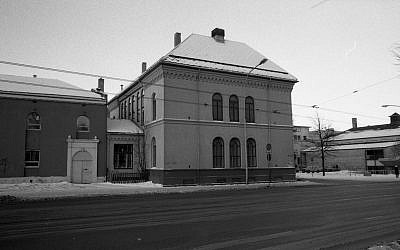 A prewar synagogue in Trondheim, Norway. (Photo credit: CC BY Trondheim Byarkiv, Flickr.com)