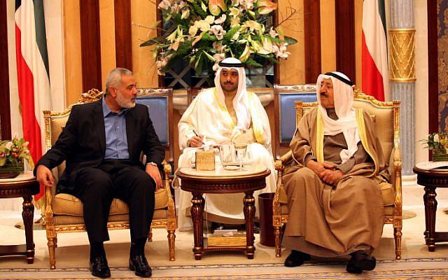 Palestinian Hamas leader Ismail Haniyah meeting with Kuwait's Emir Sheikh Sabah al-Ahmad al-Sabah (Photo credit: Mohammed Al-Ostaz/ Flash 90)