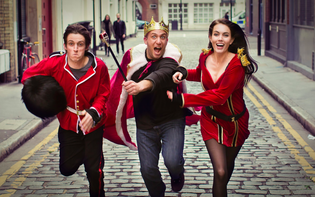Tom, Pini and Carla on the streets of London (Courtesy Ynet)