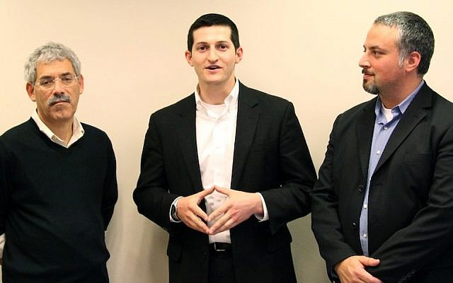 (L. to R.) Todd Dollinger, CEO and Chairman, The Trendlines Group, Ilya Budik, CEO of NeuroQuest, and Jonathan Zucker, President of InterTech Group, announce the investment round in NeuroQuest by a group led by the InterTech Group (Photo credit: Courtesy)