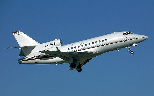 Illustrative photo of a Falcon-900 (photo credit: Adrian Pingstone/Wikimedia commons)