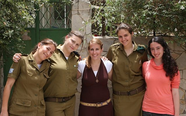 Soldiers and students who went to the army through Aluma (Photo credit: Ofir David/ courtesy of Aluma)
