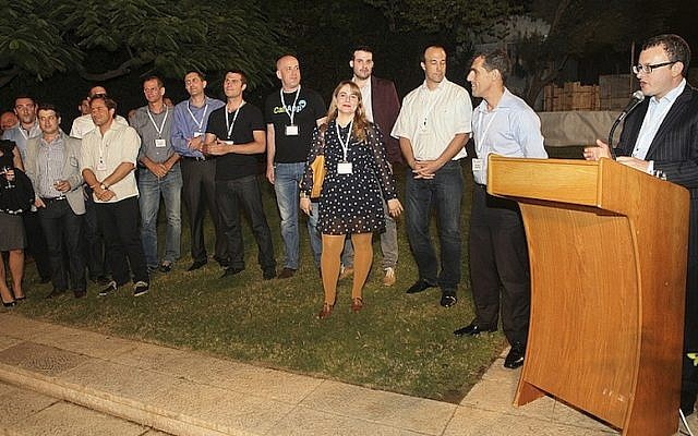 Former UK ambassador to Israel Matthew Gould announces the winners in a recent start-up event sponsored by the UK-Israel Tech Hub (Photo credit: Mati Milstein)
