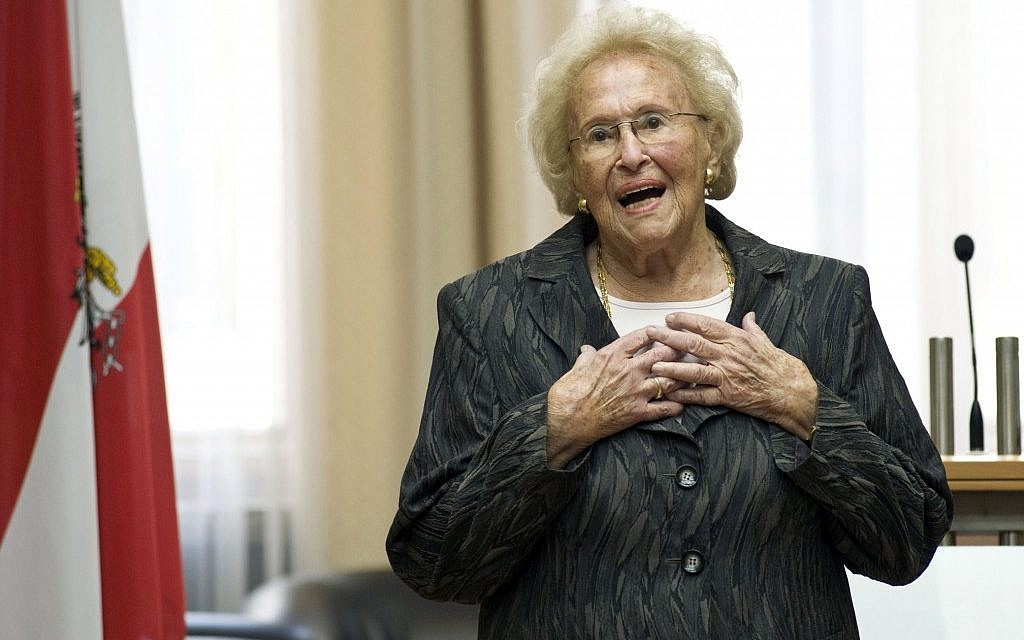 95-year-old Austrian soprano Hilde Zadek delivers a speech to the parliament in Vienna, after being awarded the Great Medal of Honor of the Austrian Republic on August 31, 2012. (photo credit: Parlamentsdirektion/Bildagentur Zolles KG/Jacqueline Godany/AP)
