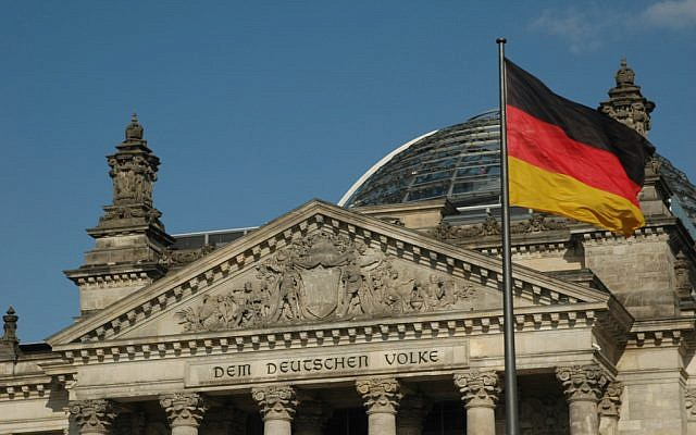 The German parliament building (Photo credit: CC BY/Baracoder via Flickr.com)