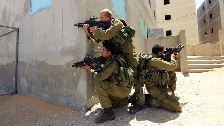 Israeli soldiers having an orgy in tha base - 1 6