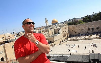 Guma Aguiar during a visit to Jerusalem, 2009 (photo credit: Kobi Gideon/Flash90)