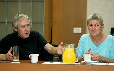 Israeli entertainer Gidi Gov with his wife, the late playwright and screenwriter Anat Gov, October 1, 2005 (photo credit: Moshe Shai/Flash90)