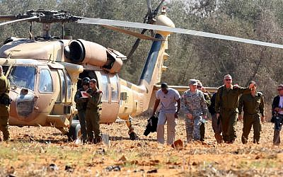 Chief of Staff Lt. Gen. Benny Gantz disembarks from a Black Hawk helicopter with Chairman of the US Joint Chiefs of Staff General Martin E. Dempsey in October. (photo credit: Edi Israel/Flash90)
