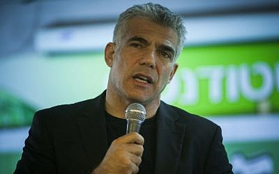 Yair Lapid speaks at Hebrew University, in December 2012 (photo credit: Yonatan Sindel/Flash90)