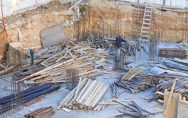 A Ramat Shlomo construction site, Tuesday, December 18 (photo credit: Oren Nahshon/Flash90)