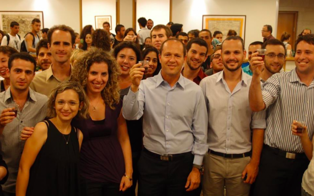 A toast with Jerusalem Mayor Nir Barkat (Courtesy Jerusalem Village)